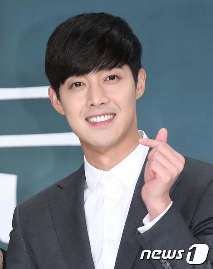 Anh chàng Kim Hyun Joong của ngày hôm qua cũng nhiều lần leo lên hot search.