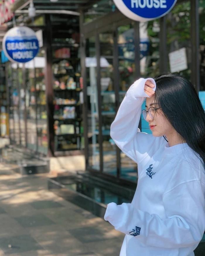 Nữ sinh ĐH Nguyễn Tất Thành từng bị bạn thân miệt thị ngoại hình và màn lột xác khiến nhiều người bất ngờ ảnh 9 Nữ sinh ĐH Nguyễn Tất Thành từng bị bạn thân miệt thị ngoại hình và màn 'lột xác' khiến nhiều người bất ngờ