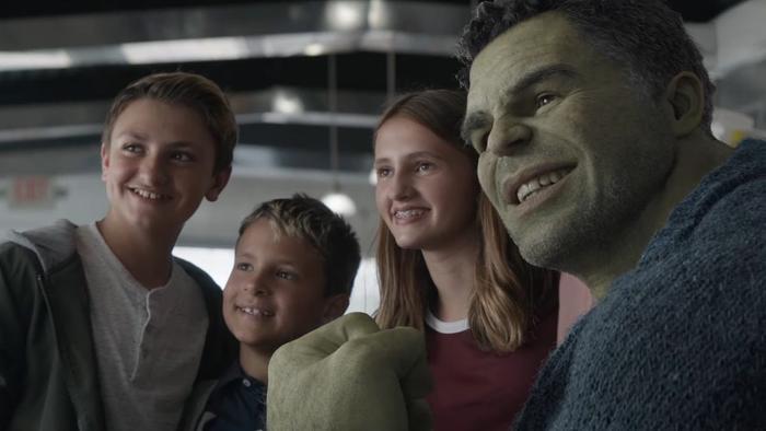 Giáo sư Hulk còn dặn lũ nhỏ nhớ ăn rau và nghe lời mẹ.