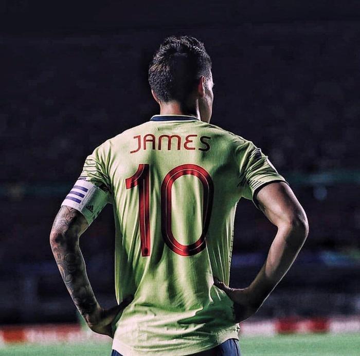 James Rodriguez sắp chuyển sang thi đấu cho Napoli.