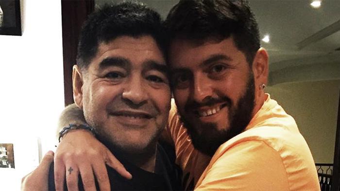 Cha con nhà Maradona.