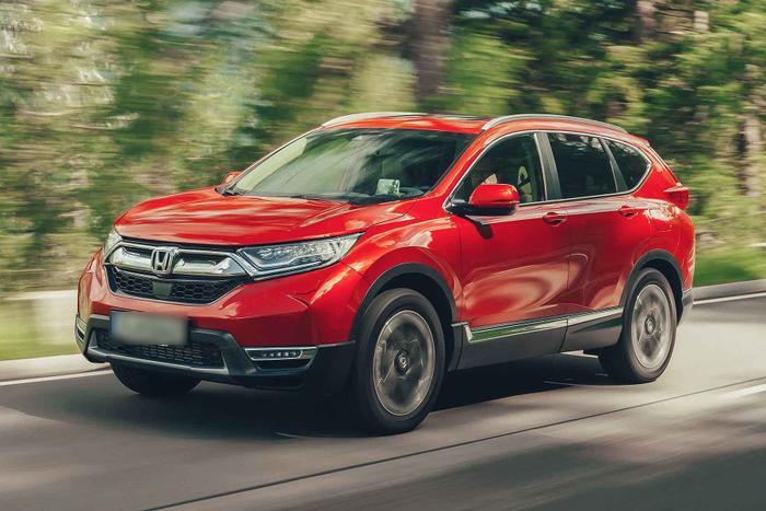 4. Honda CR-V - 8.104 xe:Honda CR-V vẫn góp mặt trong danh sách 10 ô tô bán chạy nhất Việt Nam nửa đầu năm 2019 với doanh số đạt 8.104 xe.