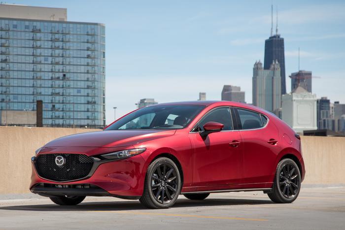 6. Mazda3 - 7.401 xe:Doanh số bán 6 tháng đầu năm 2019 của Mazda3 đạt 7.401 xe, tăng 719 xe so với cùng kỳ năm ngoái.