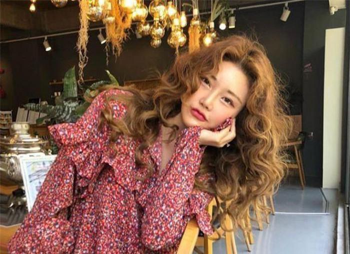 Khởi nghiệp từ khi mới 22 tuổi và sau khi đưa danh tiếng của StyleNanda ra toàn thế giới thì Kim SoHee cũng trở thành một biểu tượng về làm đẹp và phong cách thời trang cho nhiều cô gái trẻ và giới mộ điệu ở Hàn Quốc