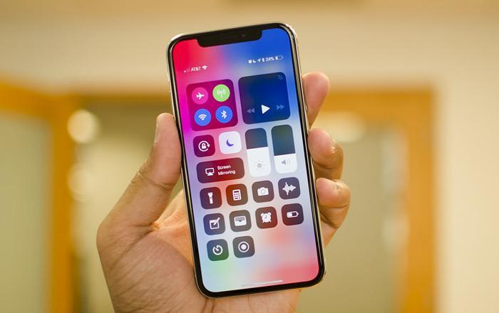 iPhone 2020 sẽ có 'tai thỏ' nhỏ hơn, trước khi biến mất trên iPhone 2021.