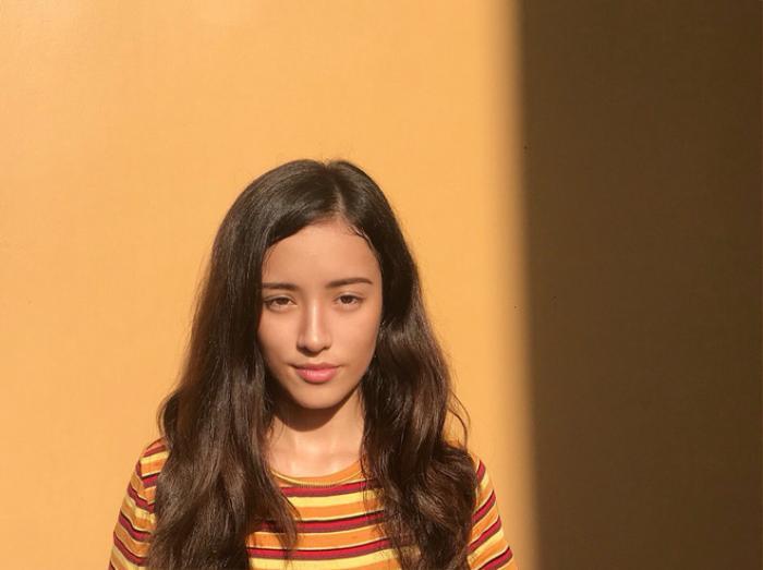 Jade Thu Hà sinh năm 2001, cô bạn mang trong mình hai dòng máu Việt - Pháp. Jade tốt nghiệp tại trường cấp 3 Lycée français Alexandre Yersin ở Hà Nội, được biết tương lai cô bạn sẽ đi du học ở Hà Lan vào tháng 8 năm nay.
