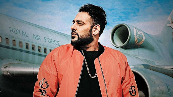 Những sản phẩm âm nhạc của Badshah được hát bằng tiếng Hindi, Punjabi và Haryanvi.