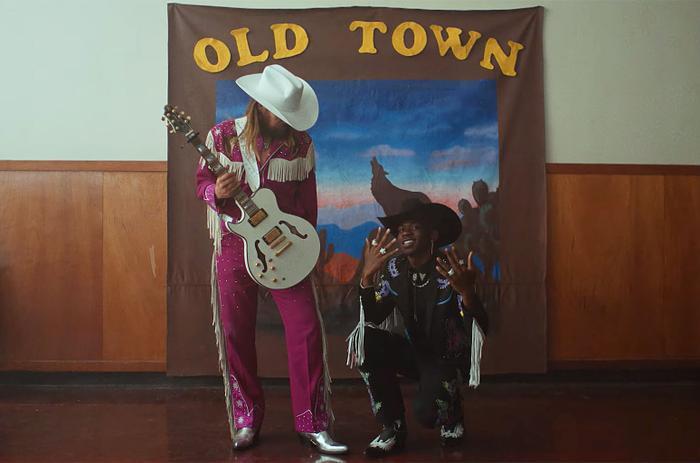 Old Town Road sẽ san bằng kỷ lục trước đó của One Sweet Day từ Mariah Carey?