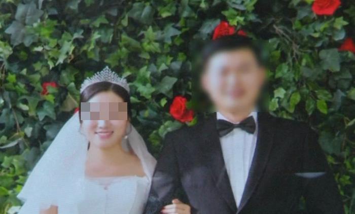 Ảnh cưới của Tiểu Tống và chồng.