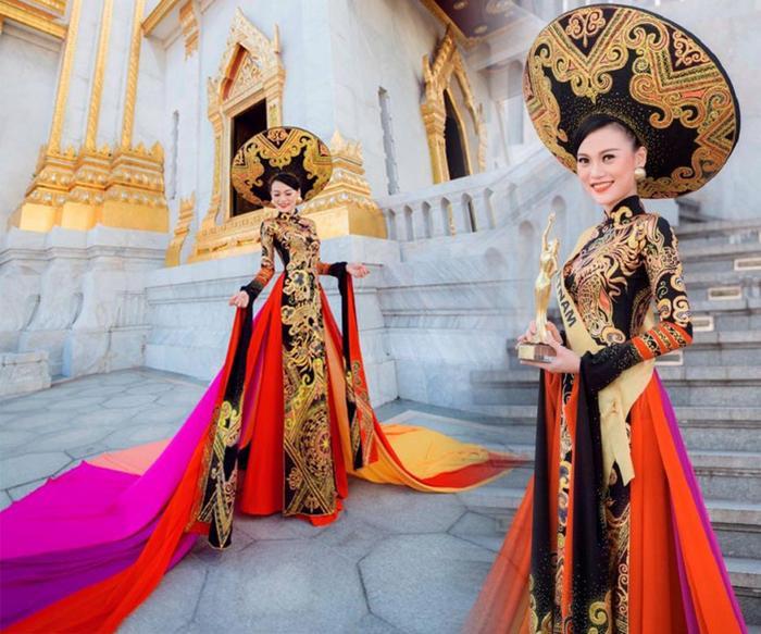 Cao Thuỳ Linh nổi bật và tỏa sáng trong phần thi Trang phục dân tộc.