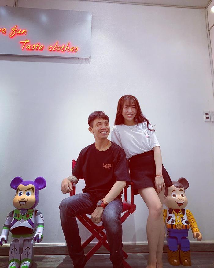… và cô con gái cưng Minh Anh.