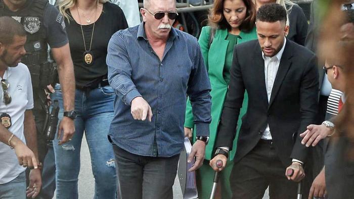 Cảnh sát đã được phép gia hạn điều tra vụ cưỡng hiếp liên quan đến Neymar.