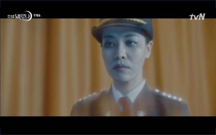 Phim Hotel Del Luna tập 1: Yeo Goo Jin bị cha ruột lập khế ước bán cho IU ngay từ nhỏ ảnh 79