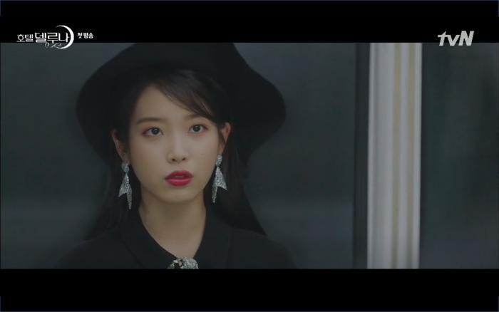 Phim Hotel Del Luna tập 1: Yeo Goo Jin bị cha ruột lập khế ước bán cho IU ngay từ nhỏ ảnh 64