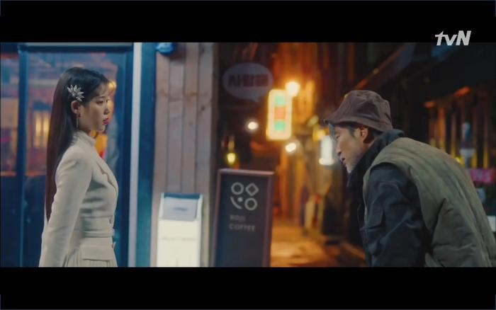 Phim Hotel Del Luna tập 1: Yeo Goo Jin bị cha ruột lập khế ước bán cho IU ngay từ nhỏ ảnh 81