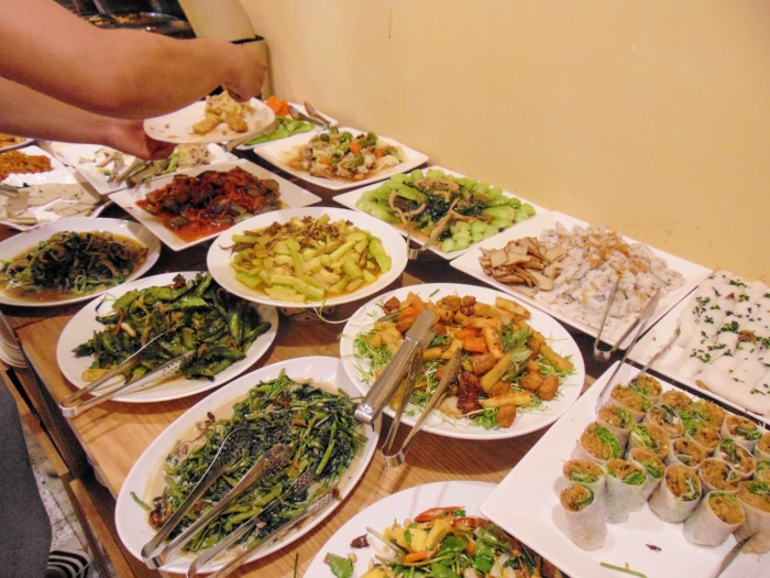 Dù không bắt buộc khách hàng trả tiền, nhưng quán ăn vẫn được duy trì như một nhà hàng đúng chuẩn vì những điều kì diệu.
