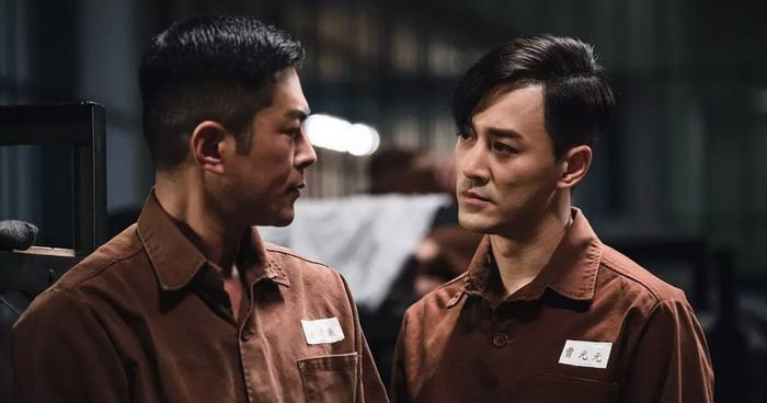 Lâm Phong gây ấn tượng mạnh mẽ thông qua vai phản diện điển trai, ngông cuồng, thú vị.