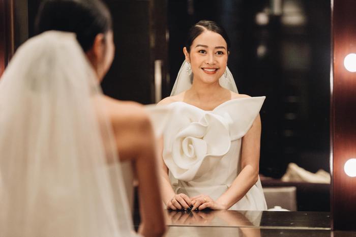 Tròn 1 tháng cưới chồng, MC Phí Linh mếu máo than trời vì nấu ăn quá khó ảnh 6