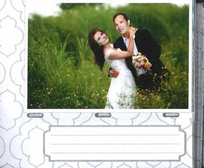 Ảnh cưới của nghi phạm Nam Phuong Hoang và Brandy Lynn Esley, đây là một trong số bằng chứng làm giả được tòa đưa ra – Ảnh: Houston Chronicle