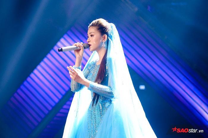 Bích Tuyết luôn được đánh giá là một gương mặt sáng giá của chương trình bởi cô không ngừng hoàn thiện về giọng hát qua từng vòng thi.