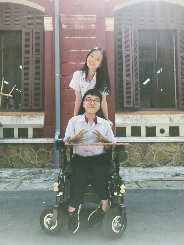 Nam sinh Nguyễn Thiên Phúđạt25,55 điểm ba môn khối D, trong đó tiếng Anh 10 trong kỳ thi THPT Quốc gia 2019 vừa qua.