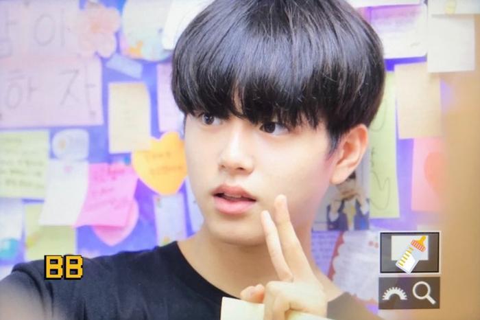 Produce X 101: Lộ diện sau khi bị loại, Lee Jin Woo xinh xắn như hoàng tử bé ảnh 17
