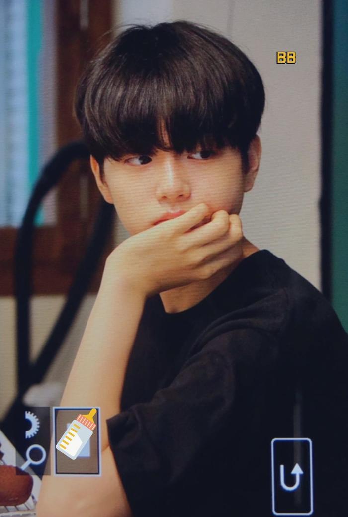 Produce X 101: Lộ diện sau khi bị loại, Lee Jin Woo xinh xắn như hoàng tử bé ảnh 21