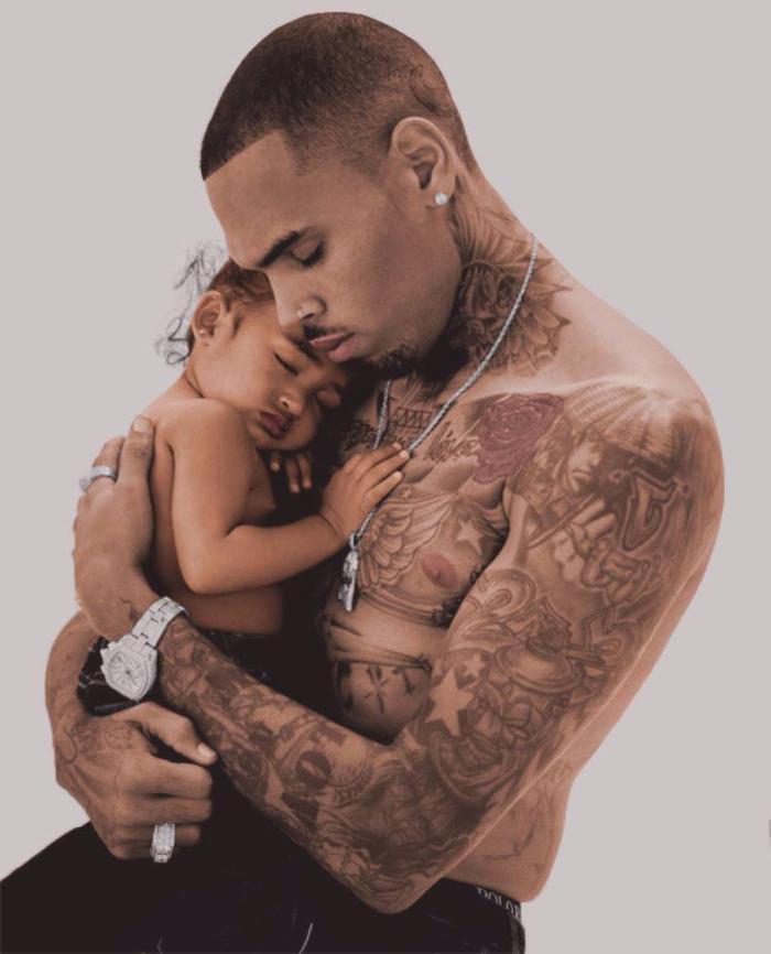 Là một chàng trai bạo lực, tự hỏi khi làm bố, Chris Brown sẽ ra sao?