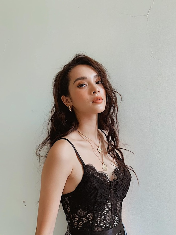 Tia ngay danh tính và nhan sắc xinh đẹp của của nữ chính MV 16+ Nếu ngày ấy (Soobin Hoàng Sơn) ảnh 7