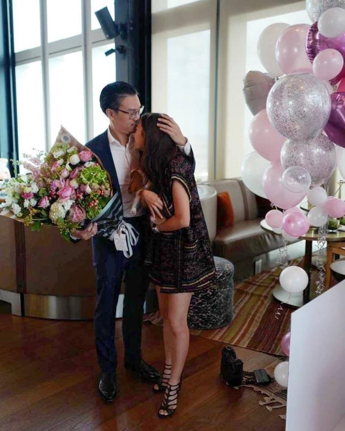 Mew Nittha gây bão mạng xã hội khi đăng tấm ảnh SAID YES trước màn cầu hôn của bạn trai thượng lưu ảnh 14