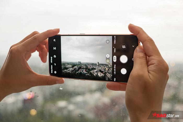 A80 sẽ được bán ra tại Việt Nam với hai phiên bản màu máy là vàng hồng và đen.