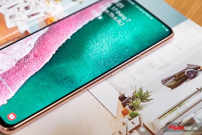 Viền màn hình mỏng khiến Samsung Galaxy A80 có ngoại hình cực kì quyến rũ.