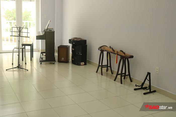 BQL KTX sẽ mời các thầy cô về dạy các loại nhạc cụ cho sinh viên có nhu cầu.