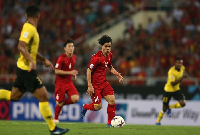 ĐT Việt Nam chỉ vượt trội về thành tích đối đầu so với ĐT Malaysia.