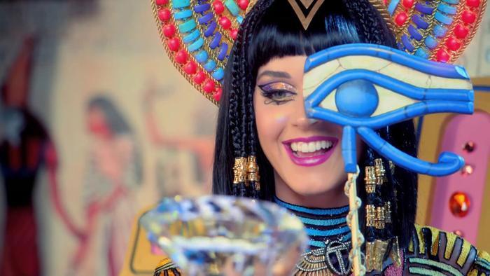 Katy Perry sẵn sàng hát live Dark Horse tại toà án để chứng minh sự khác nhau.