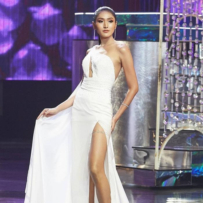 Đây là thí sinh sở hữu vẻ ngoài nổi bật nhất cuộc thi năm nay. Tuy nhiên nhiều fan Việt vẫn cho rằng cô còn thua kém Hương Giang rất nhiều.