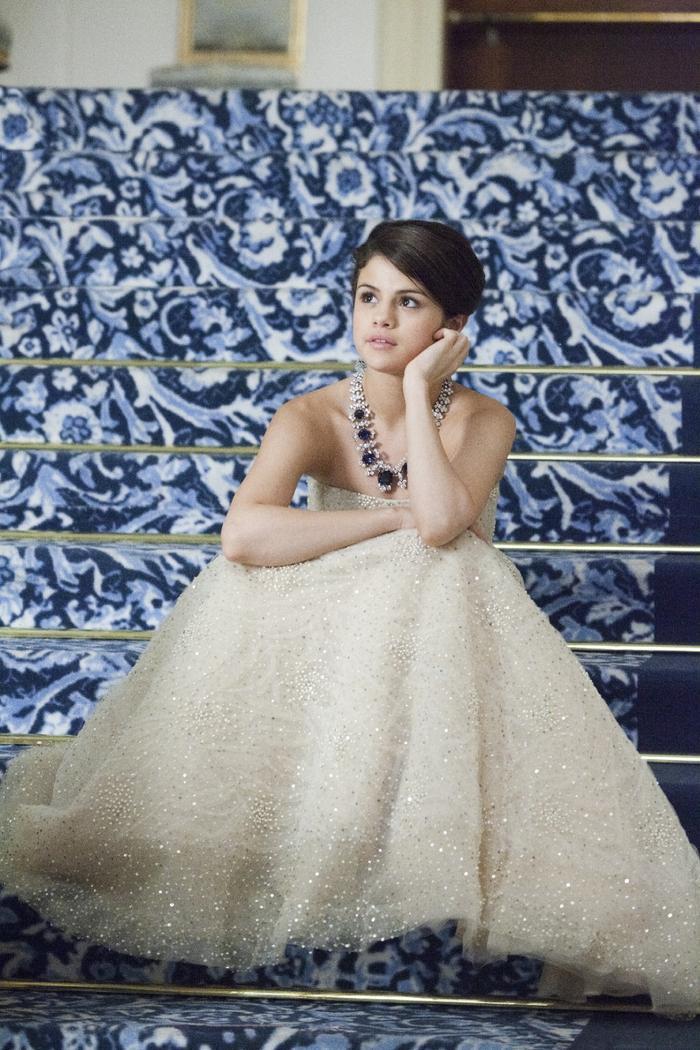 Hay bạn yêu cô lọ lem xinh đẹp và tốt bụng trong Monte Carlo?