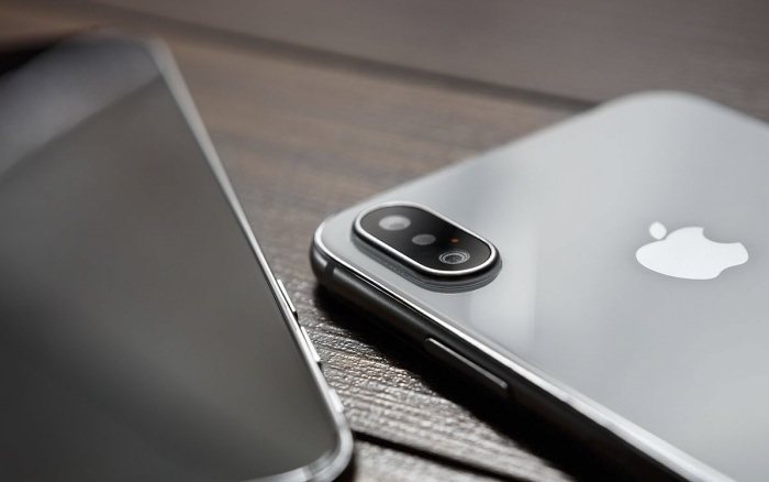 Các đối tác của Apple phải nộp phạt số tiền đến 25 triệu USD và gánh mọi chi phí điều tra nếu thông tin về iPhone 12 bị tiết lộ ra bên ngoài. (Ảnh:Shutterstock/hurricanehank)