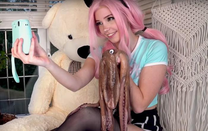 Belle Delphine là một cô gái có nhiều chiêu trò trên mạng xã hội.