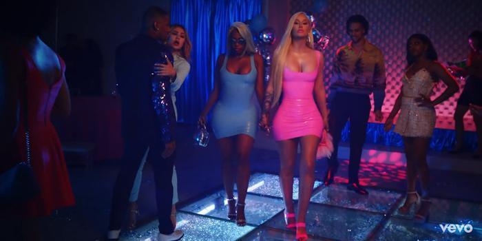 Xem ngay MV 'F**k It Up' vừa lên sóng: Iggy Azalea bất cần, nổi loạn thời Fancy đã chính thức quay trở lại
