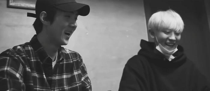 MV bài hát chủ đề đầu tiên Just us 2 của EXO-SC chính thức được ra mắt bất ngờ.