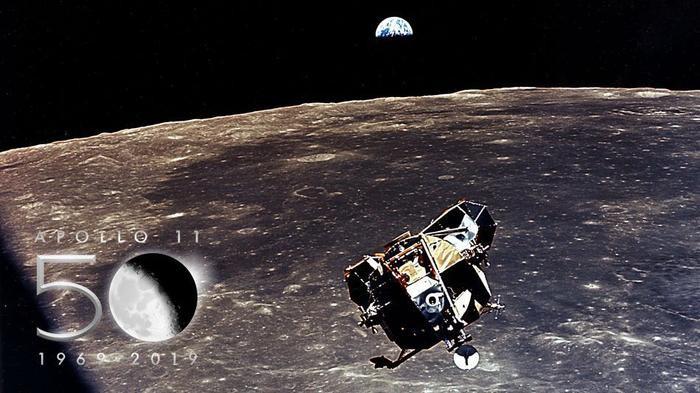 Chiếc điện thoại của bạn còn mạnh hơn chiếc máy tính đã đưa con người lên mặt trăng.