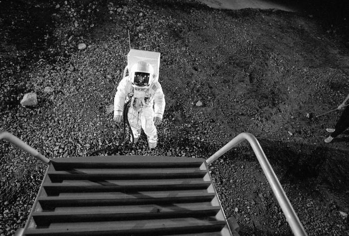 Một mẫu module hạ cánh của Apollo 11 được phát triển vào tháng 7 năm 1969 tại Grumman Aircraft Engineering Corporation.
