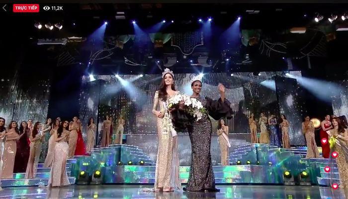 Cận cảnh nhan sắc Tân Hoa hậu Chuyển giới Thái Lan 2019: Gương mặt nữ thần, thân hình siêu mẫu! ảnh 2