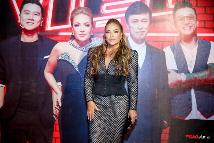 Với vị HLV nữ duy nhất của chương trình, cô không chỉ hứa hẹn đêm chung kết sẽ là một đêm bùng nổ, HLV Thanh Hà còn kêu gọi bình chọn dành cho thí sinh team của mình.