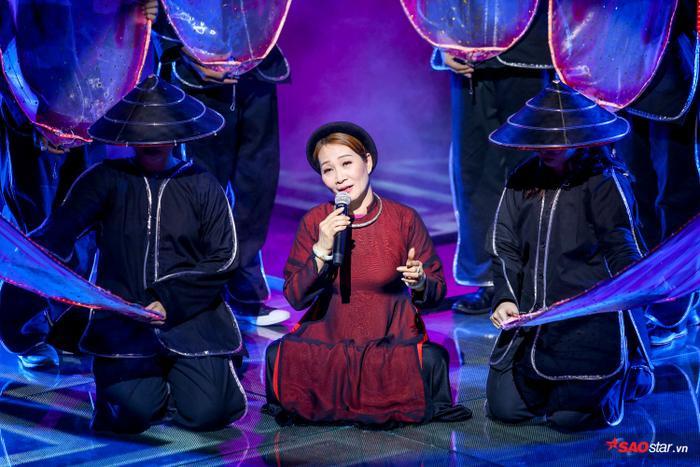 Bị chê thiếu thực lực, Dominix hát ca khúc quán quân Trên đỉnh phù vân chinh phục fan The Voice 2019 ảnh 1