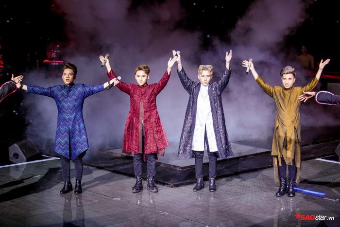 Bị chê thiếu thực lực, Dominix hát ca khúc quán quân Trên đỉnh phù vân chinh phục fan The Voice 2019 ảnh 4