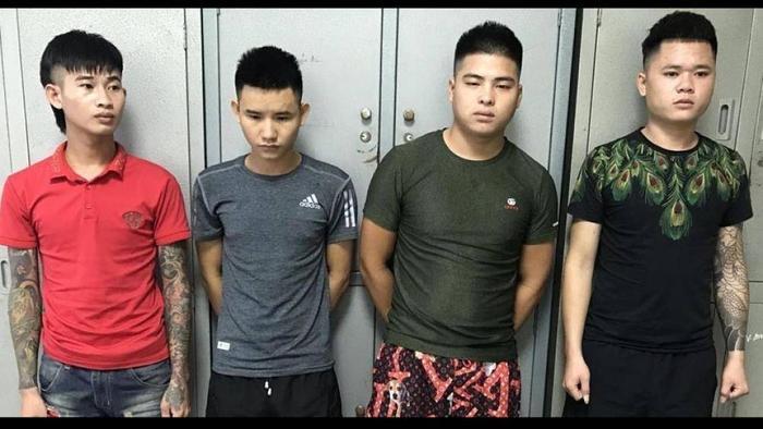 Nhóm cho vay nặng lãi, ném chất bẩn vào nhà dân ép trẻ tiền vừa bị bắt giữ. (Ảnh: Báo Bắc Giang)