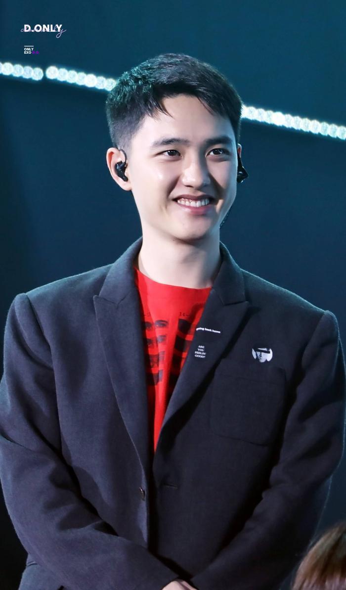 Cẩn thận 15 idols Kpop sau sẽ 'hạ gục' các fan với nụ cười hình trái tim trên môi! ảnh 5