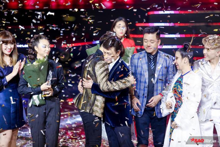 Hoàng Đức Thịnh trở thành Quán quân The Voice 2019.